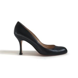 Manolo Blahnik Foka Round Toe Leather Heels